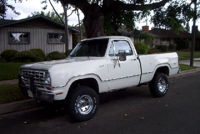 The Dusty Truck: 1974 Dodge W-100